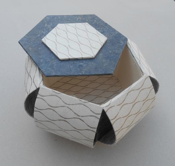 Boitehexagonale580B